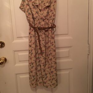 Maurices- Floral Print Dress Size 3 Ruffle Front.